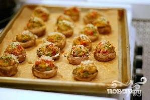Грибы, фаршированные вялеными помидорами - фото шаг 2
