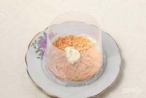 """Салат """"Мимоза"""" с рисом и сыром - фото шаг 4"""