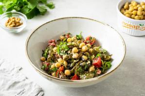 Салат с нутом и морской капустой - фото шаг 7