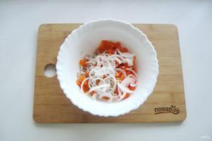 Мясной салат с маринованным луком - фото шаг 7