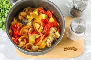 Салат со скумбрией на зиму - фото шаг 7