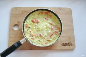 Омлет с сыром и кабачком - фото шаг 11