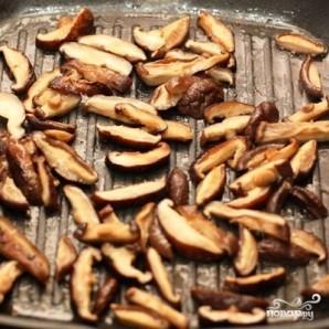 Футомаки с омлетом и шиитаке - фото шаг 4