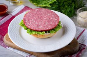 Домашний гамбургер с колбасой - фото шаг 5