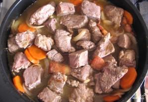 Мясо, тушенное с вином - фото шаг 4
