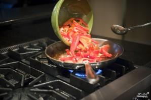 Салат с жареным мясом - фото шаг 9
