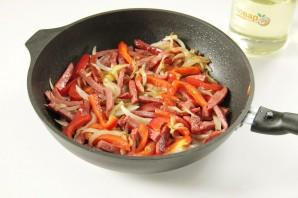 Картофель с копченой колбасой - фото шаг 4