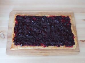Пирожные с кремом и ягодами - фото шаг 11