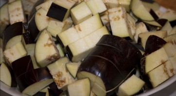 Баранина с овощами в казане - фото шаг 1