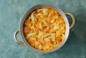 Суп с чечевицей и лисичками - фото шаг 6