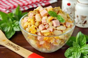 Салат с фасолью и колбасой - фото шаг 7