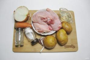 Куриные бедра с картофелем в мультиварке - фото шаг 1