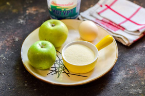 Оладьи из яблок и манки - фото шаг 1