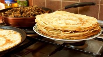 Блины с грибной начинкой и яйцами (рецепт для гурманов) - фото шаг 9
