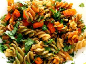 Макароны с морковью и луком - фото шаг 8