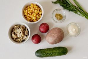 Салат с кукурузой, грибами и огурцами - фото шаг 1