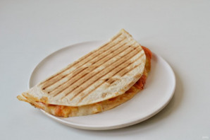 Тортилья с помидорами - фото шаг 5