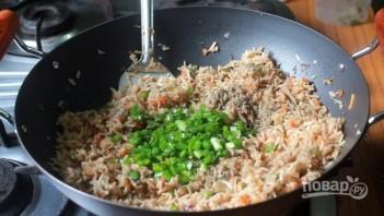 Жареный рис с овощами - фото шаг 9