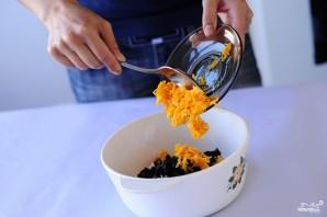 Морковь тушеная с рисом и черносливом - фото шаг 3