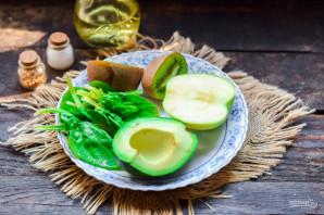 Смузи из авокадо и шпината - фото шаг 1