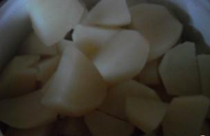 Картофельное пюре с тушенкой - фото шаг 2