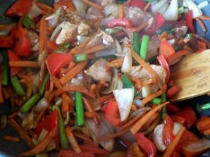 Острая курица стир-фрай с овощами - фото шаг 4