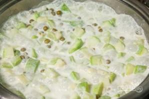 Тушеные кабачки с зеленым горошком - фото шаг 7