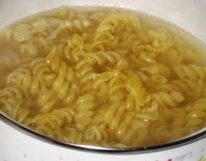 Макароны с фаршем в сырном соусе - фото шаг 1