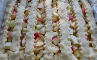 Яблочный пирог из творожного теста - фото шаг 6