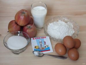 Яблочно-бисквитный рулет - фото шаг 1