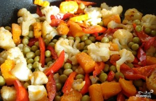 Цветная капуста жареная с овощами - фото шаг 3