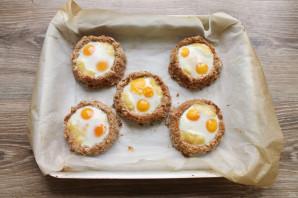 Гнезда из фарша с перепелиными яйцами - фото шаг 13