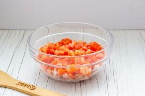 Салат с копченой курицей и помидорами - фото шаг 3