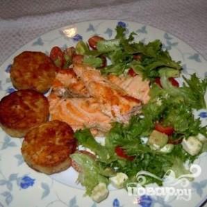 Стейки из семги, маринованные в дижонской горчице с зеленым салатом - фото шаг 5