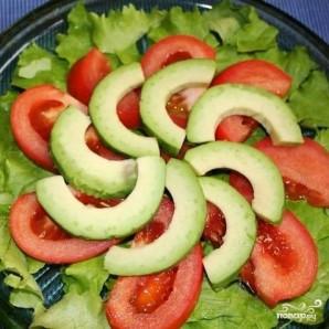 Салат с красной рыбой - фото шаг 6