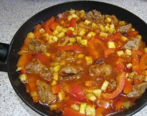 Курица в горшочке в духовке с овощами - фото шаг 2