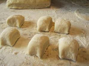 Пирожки из теста на кефире - фото шаг 6