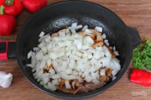 Говядина тушеная с перцем и картошкой - фото шаг 3