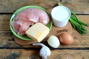 Нежные куриные шарики в сливочном соусе - фото шаг 1