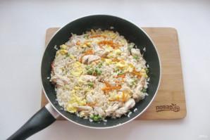 Китайский жареный рис с курицей - фото шаг 12