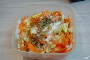 Синенькие с морковкой квашеные - фото шаг 6