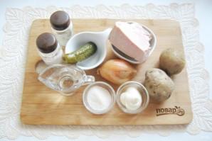 Салат со свининой и солеными огурцами - фото шаг 1