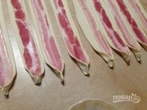 Слоеные палочки с беконом - фото шаг 4