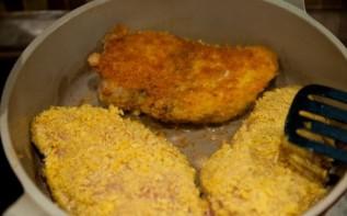 Куриная грудка с сыром в сухарях - фото шаг 7