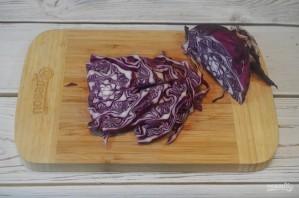 Краснокочанная капуста, консервированная со сливами - фото шаг 2