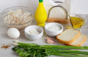 Рыбные оладушки с йогуртовым соусом - фото шаг 1