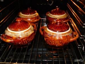 Петровское мясо в горшочках - фото шаг 7