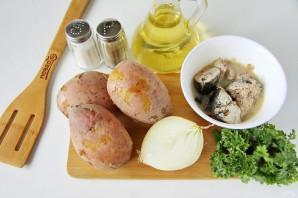 Рыбный салат из консервов с картошкой - фото шаг 1