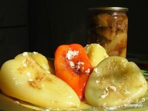 Перец жареный с чесноком - фото шаг 4