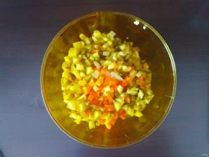 Винегрет с кукурузой - фото шаг 4